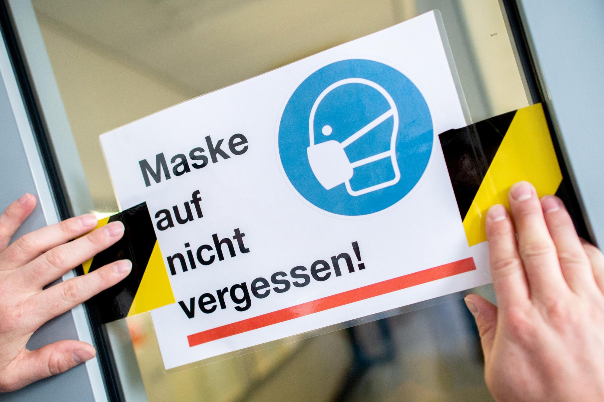Kabinett will Maskenpflicht im Unterricht beschließen ...