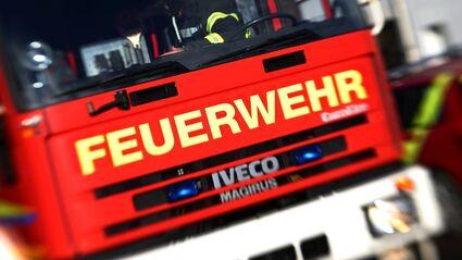 Bildergebnis für Handwerker retten 80-Jährigen vor Feuer